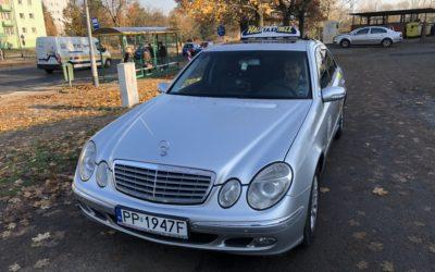 Wyposażenie taksówki, co powinno się znajdować w samochodzie do przewozu osób.