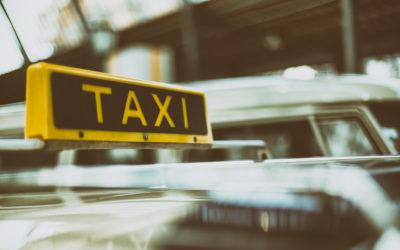 W dobie koronawirusa bezpieczniej wybrać taxi Piła czy komunikację miejską?