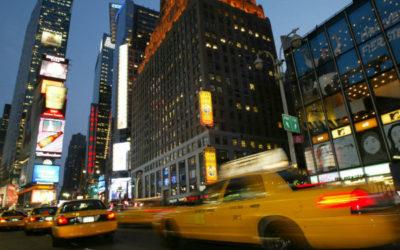 Bezpieczeństwo i skuteczność to kluczowe elementy przewozu taksówkowego.